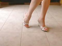 Sexy Mule Heels and Pretty Feet tube porn video