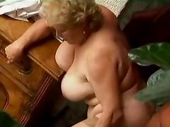 Sexy Mature Granny tube porn video