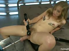 Chastity Lynn gets her ass stunningly drilled by a fucking machine tube porn video