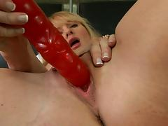 Blonde milf enjoys sex toy m22 tube porn video