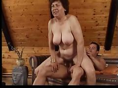 Chunky mature lady gets fucked on a couch tube porn video