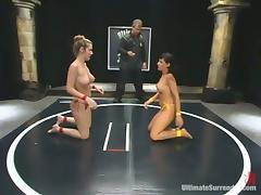 Avy Lee Roth and Jade Marxxx feel each other up during a battle on tatami tube porn video