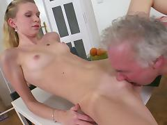 Young babe Rosy fuck in her face with old dick tube porn video