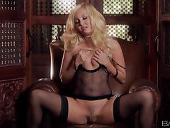 Delightful Aaliyah Love Masturbates With A Pink Dildo In Solo Model Clip tube porn video