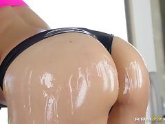 Oiled up sex doll is getting dicked with so much care tube porn video