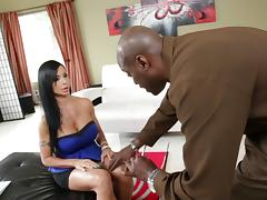 Busty brunette wench Jewels Jade gets polished by Lexington Steele tube porn video