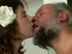 Pissing makes her super horny tube porn video