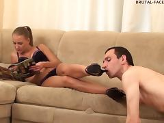 Brutal-FaceSitting Video: Jennifer tube porn video