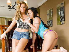 Mariah Milano & Brooklyn Lee Love Man Sauce! tube porn video