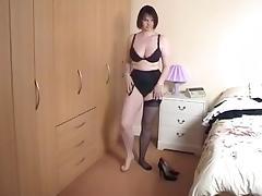 Stacked broad from nextdoor showing her sweet underthings! tube porn video