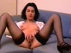 MILF Rubbing Her Loose Pussy tube porn video