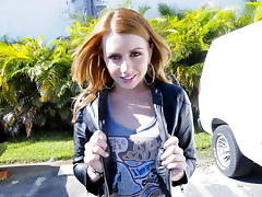 Lexi Belle does the tugging 'round here tube porn video