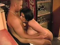 chubby short hair brunette tube porn video
